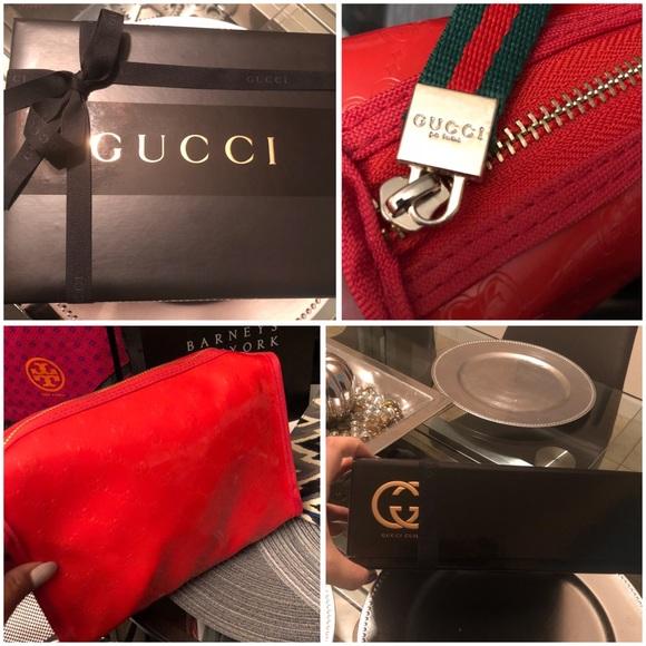 a7b7cc378fb5 Gucci Handbags - Gucci Cosmetic Bag brand new✨
